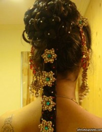 Indian-traditional-hair-style-with-stones